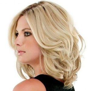 NWT Beautiful Blonde Shoulder length wig